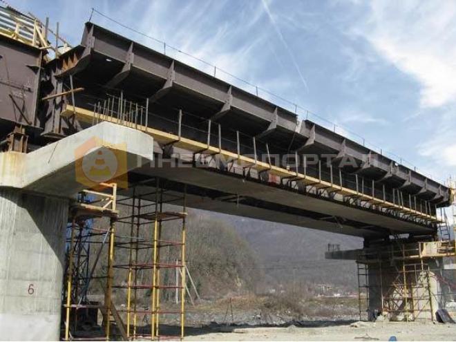 Очистили мостовое корыто пескоструйным способом