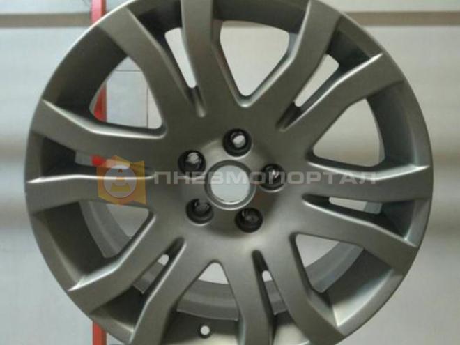 Покрасили автомобильные диски в серый цвет