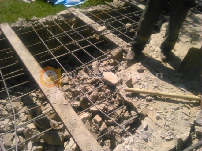 Снесли фундамент при помощи компрессорного оборудования и бетоноломов