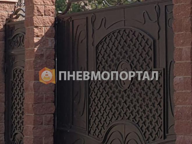 Пескоструйная обработка ворот загородного дома в Можайском районе